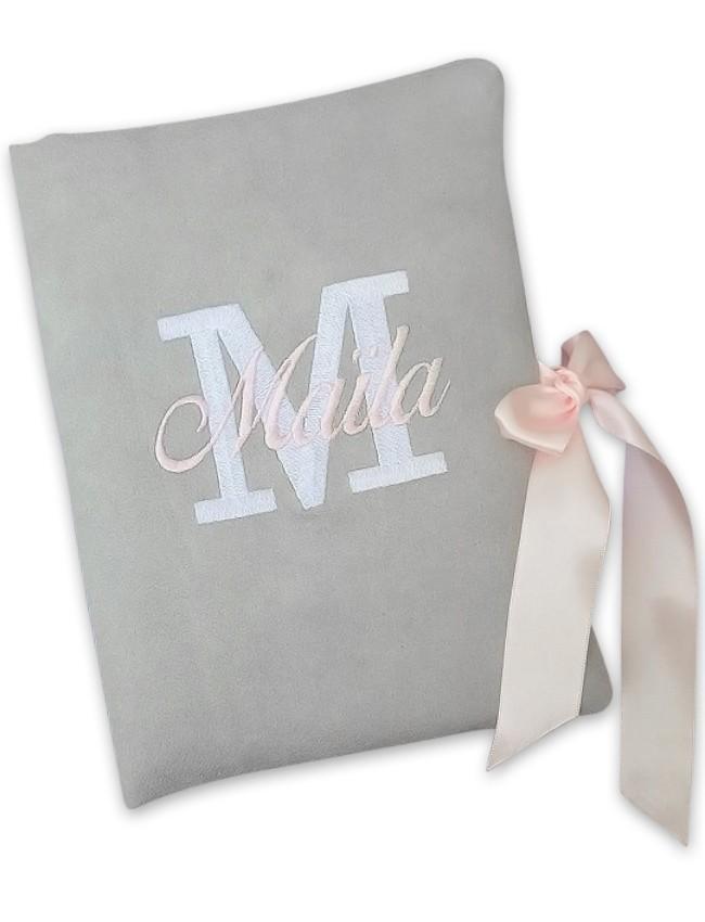 Protege carnet de sante suedine grise initiale